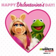 Miss Piggy and Toni's Very Glamorous Christmas