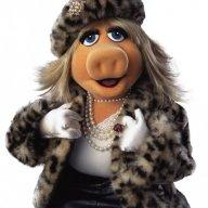 Piggy It's Kermit Outside